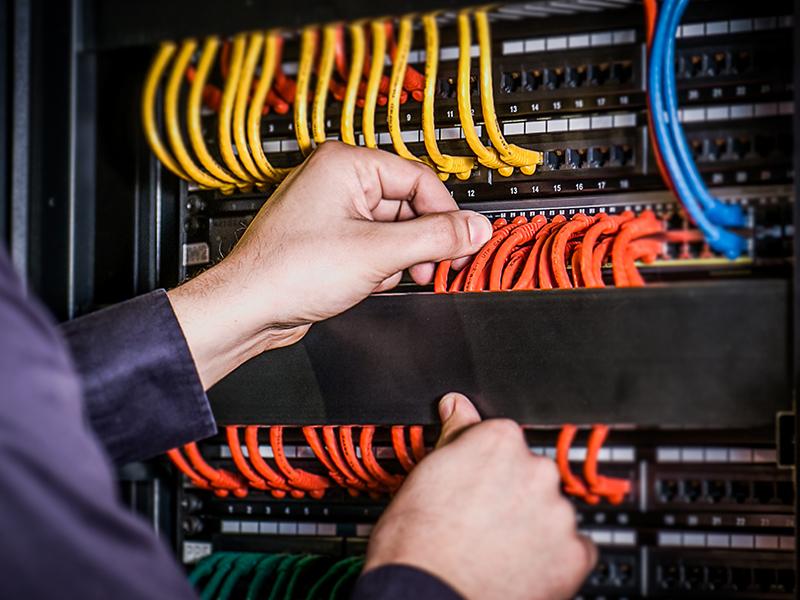 Macatawa Technologies technician